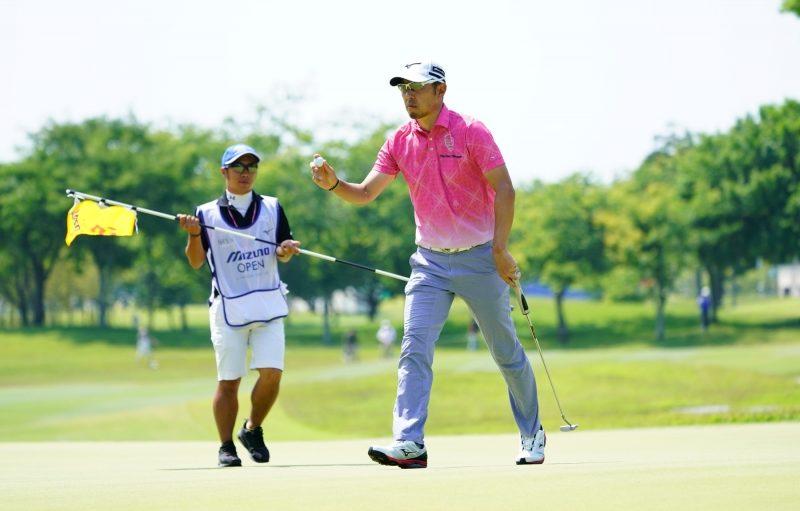小林正則は5年ぶりの優勝に向け気合のこもったラウンドを続けた|(撮影:鈴木祥)