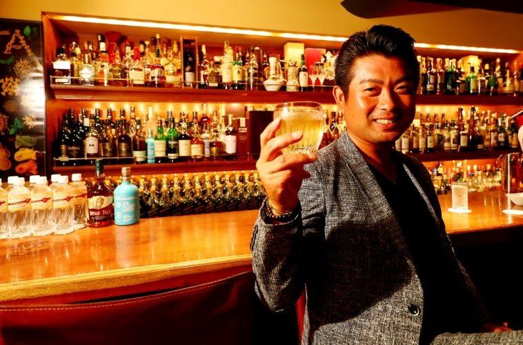 全英オープン公式ウィスキーを片手に!|(撮影:村上航)